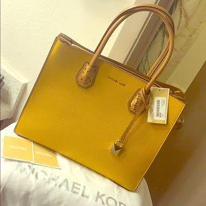 Michael Kors (Accordian Conv Tote) Handbag
